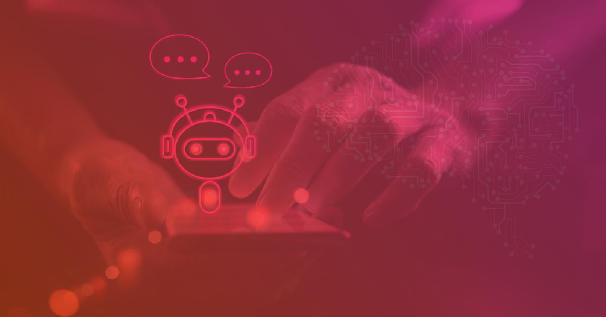 Mãos humanas conversando com um chatbot em celular
